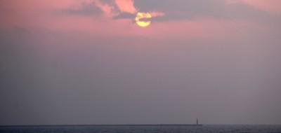 夕暮れ四谷浜