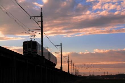 17時ころ、ほくほく線夕暮れ電車