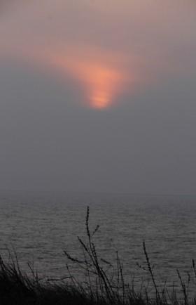 140226かすむ夕陽