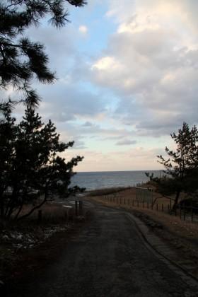 四ツ屋浜の道