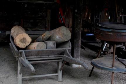 木製の一輪車