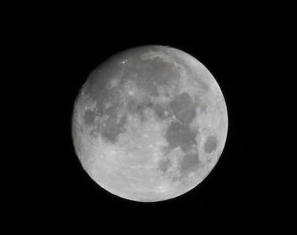 一昨日の十三夜の月