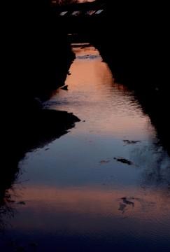 潟川の夕暮れ