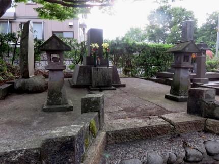 作之助墓所