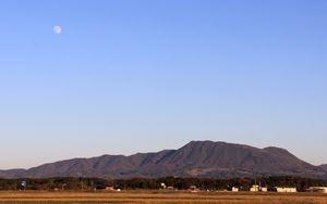 尾神岳の昼の月