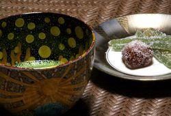 鈴木さんのお茶碗と御菓子