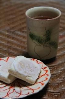 お菓子とお茶