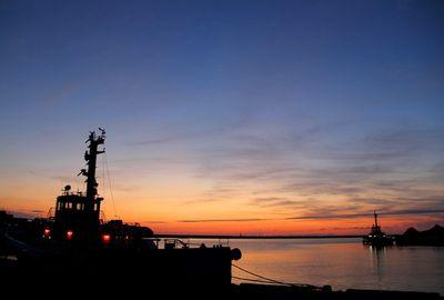 直江津港の夕景