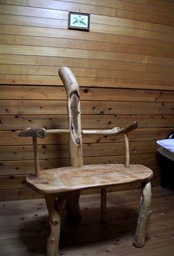 寝室の椅子