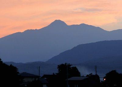夕暮れの妙高山