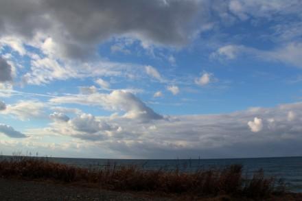 穏やかな四ツ屋浜