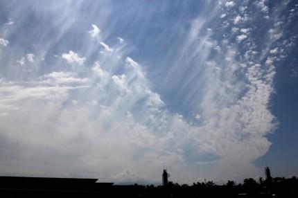 140908尾流雲