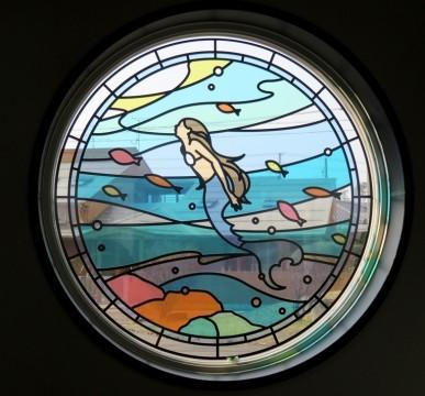 1人魚のステンドグラス