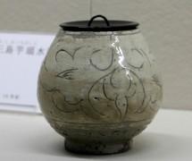 彫三島芋頭水指