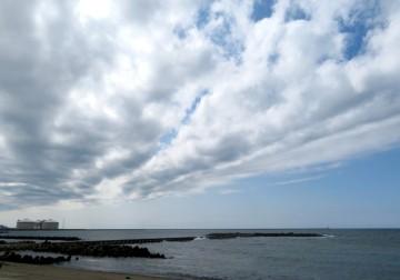 180413海岸の雲