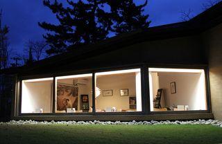 夕刻の樹下美術館