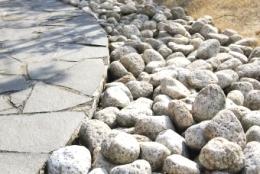 暖まりゆく石