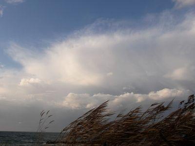 本日強風の鵜の浜